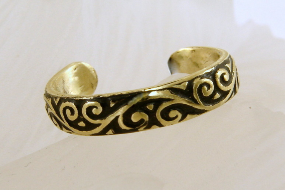 Brass Oxidized Toe Ring - Any Size