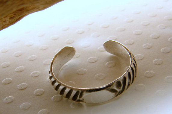 Sterling Silver Pattern Toe Ring - Any Size - Customizable
